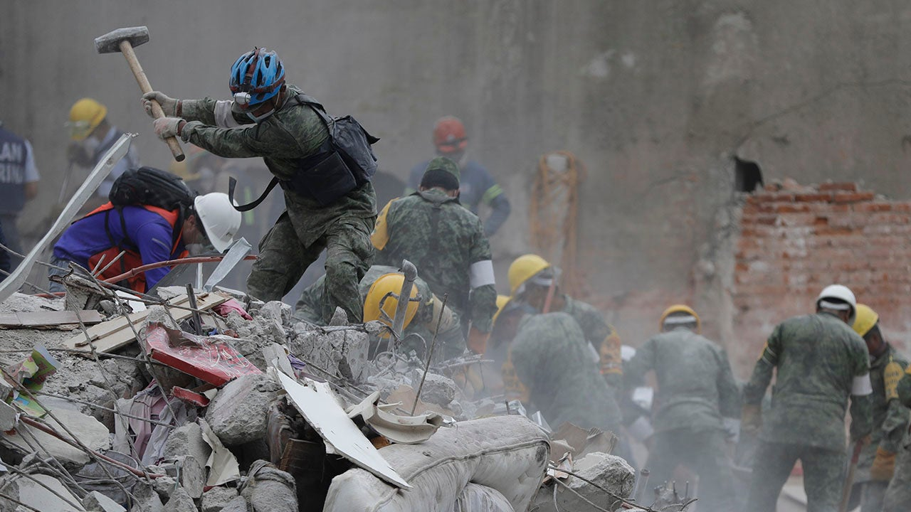 Rescue Efforts Suspended at Building That Collapsed During Deadly Mexico Quakes