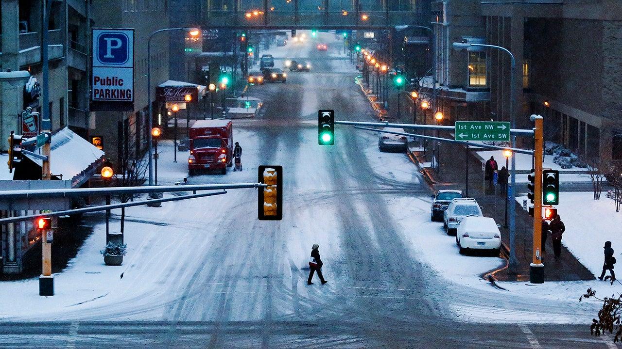 Winter Storm Wilbur Dumps Snow on Upper Midwest (PHOTOS)