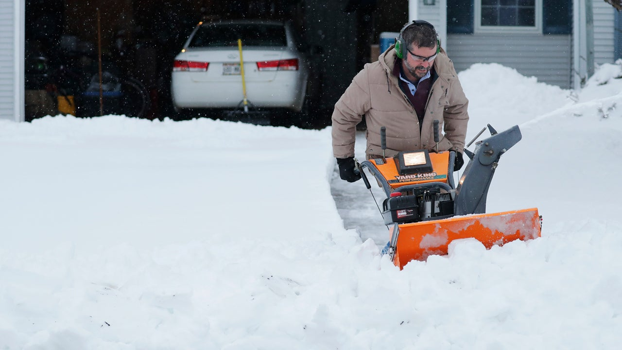 Winter Storm Xanto Closes Twin Cities Schools Again Monday; Hundreds of Thousands Still Lack Power