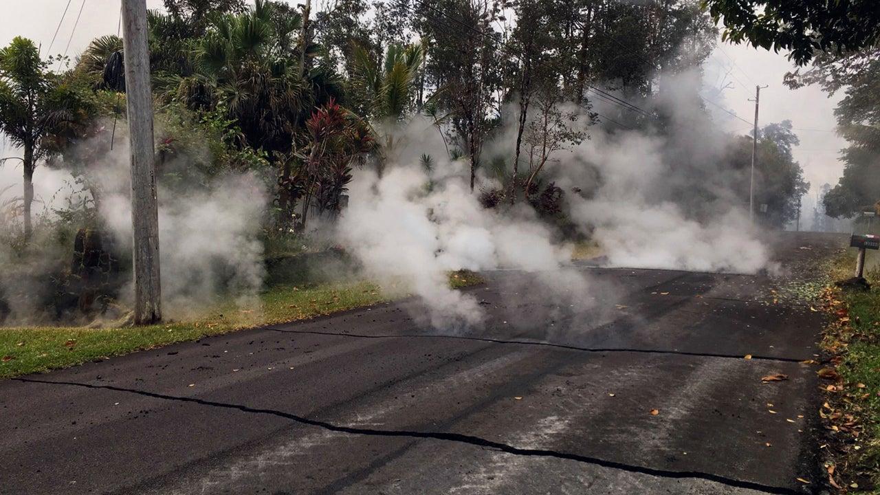 as kilauea eruption fears rise  hawaii gov  david ige asks