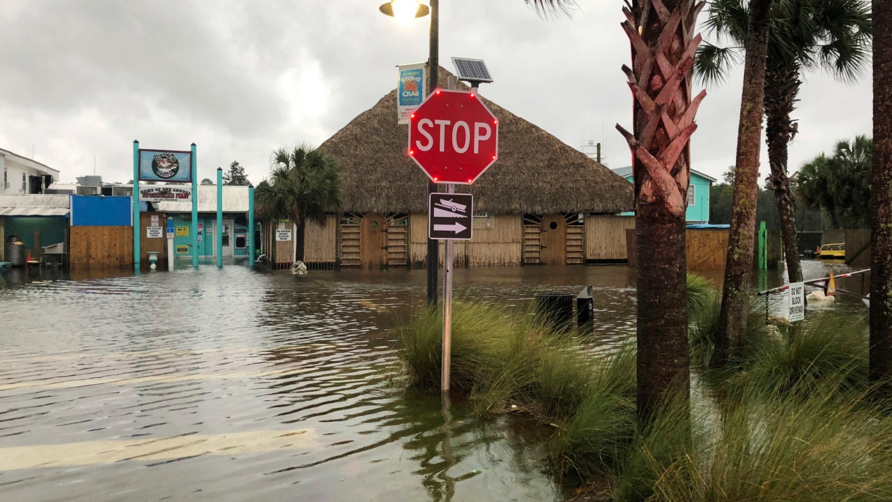 Hurricane Michael Closes in on Florida: Damage, Flooding Reported Along Coast as 'Time to Evacuate Has Come and Gone'