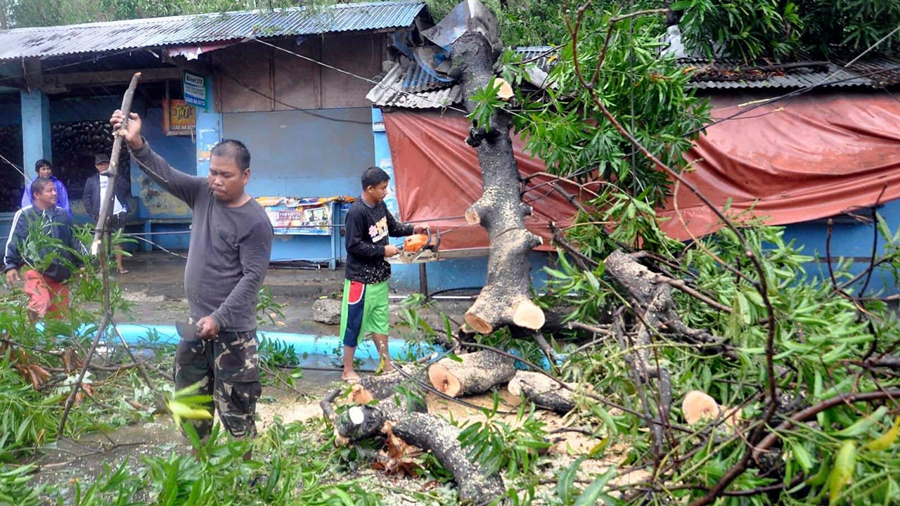 Typhoon Yutu Turns Deadly in the Philippines (PHOTOS)