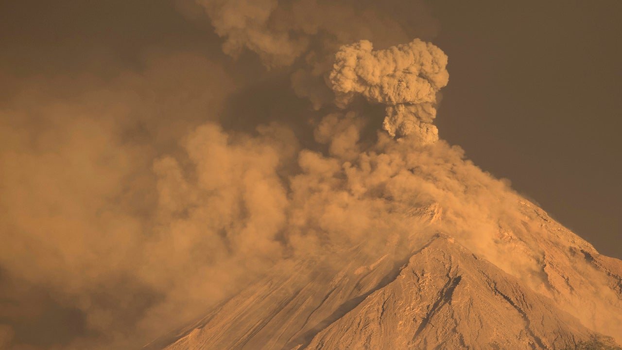 Guatemala's Volcano of Fire is Spewing Lava Again (PHOTOS)