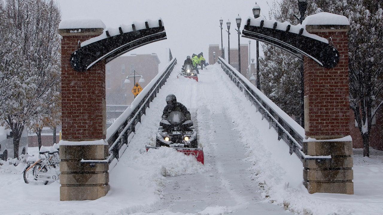 Winter Storm Diego Spreads Heavy Snow Across the South (PHOTOS)