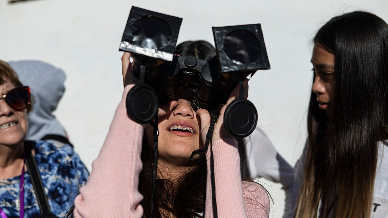 Photos of the Great South American Eclipse