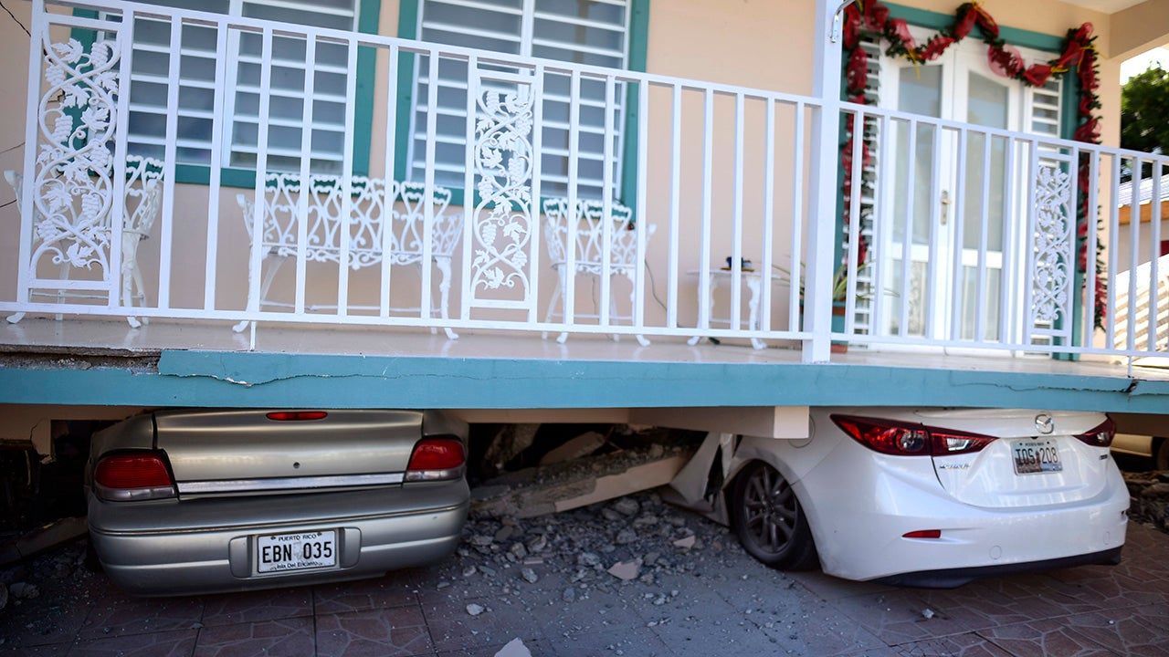 More Than Two-Thirds of Puerto Rico Still in the Dark After Earthquake (PHOTOS)