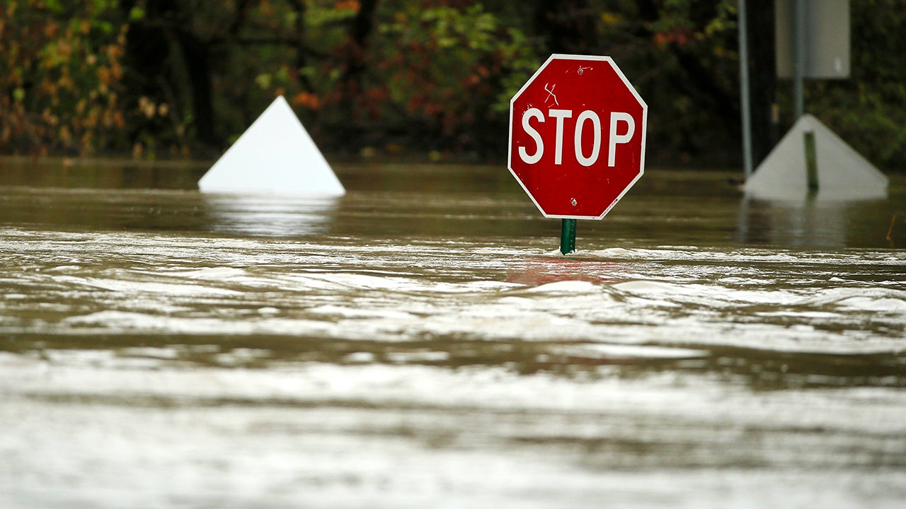 Houston Residents Told to Avoid Traveling; Texas Roads, Interstates Closed