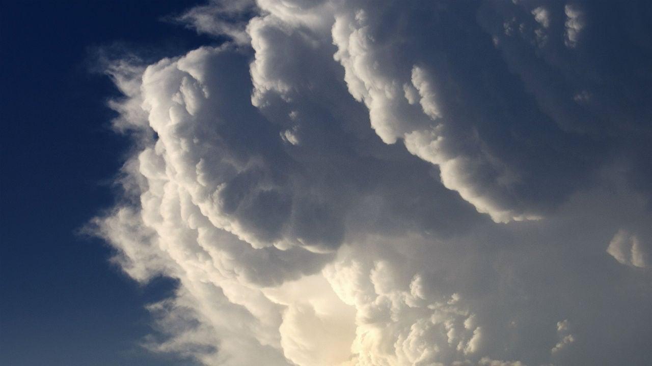 powerful thunderstorms leave 2 dead in arkansas