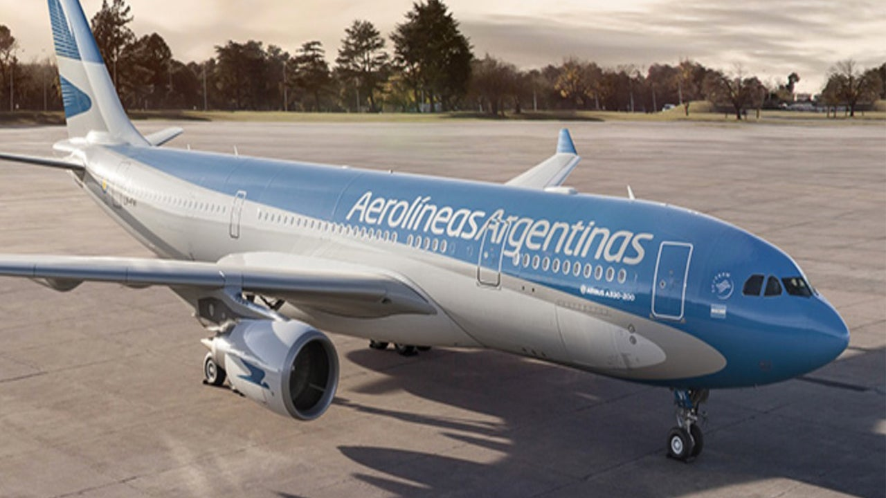 Aerolineas Argentinas Flight From Miami Encounters Extreme Turbulence, Injuring 15
