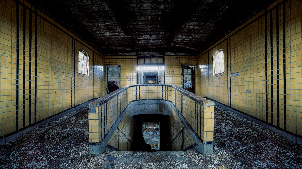 Incredible Images of Abandoned Buildings in America   The ...