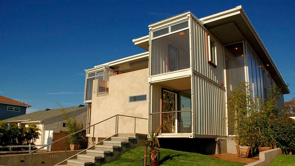 Luxury Homes Made from Recycled Cargo Shipping Containers (PHOTOS)