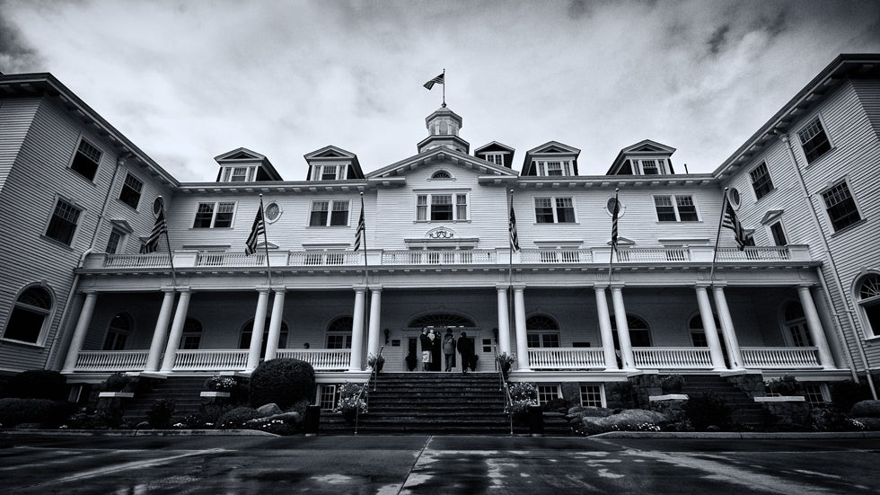7 Haunted Hotels of America (PHOTOS)