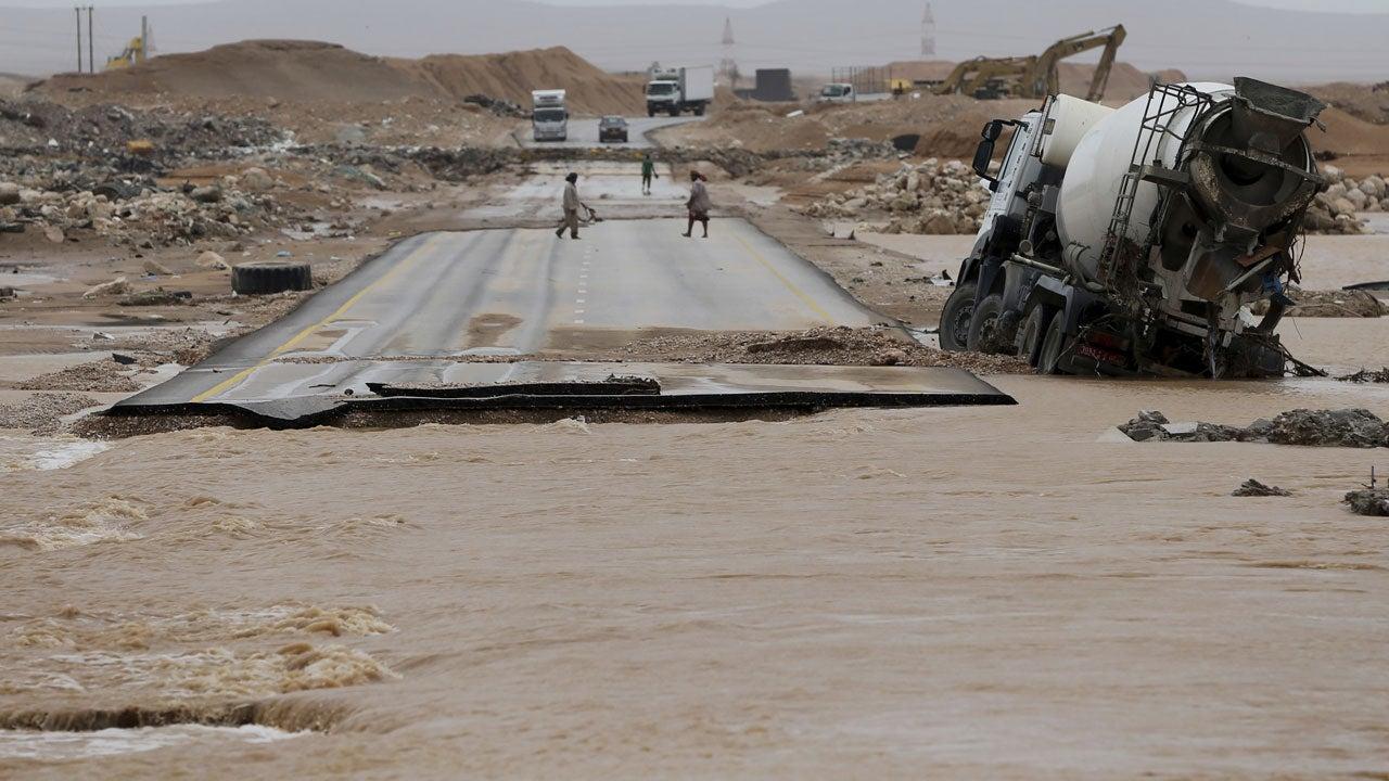 Tropical Cyclone Mekunu's Destruction in Oman, Yemen (PHOTOS)