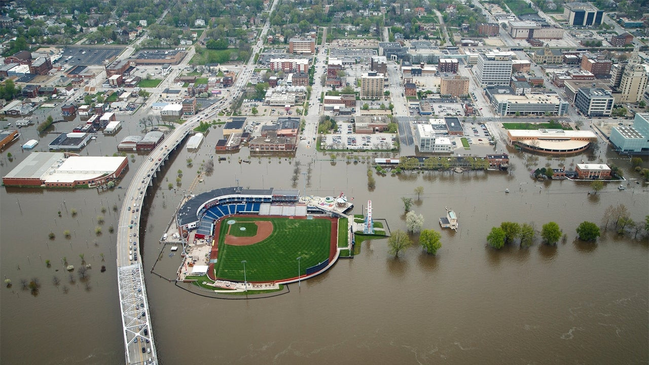 Flooding From Michigan to the South Damages Homes, Sends Mississippi River to 157-Year-High in Davenport, Iowa | The Weather Channel