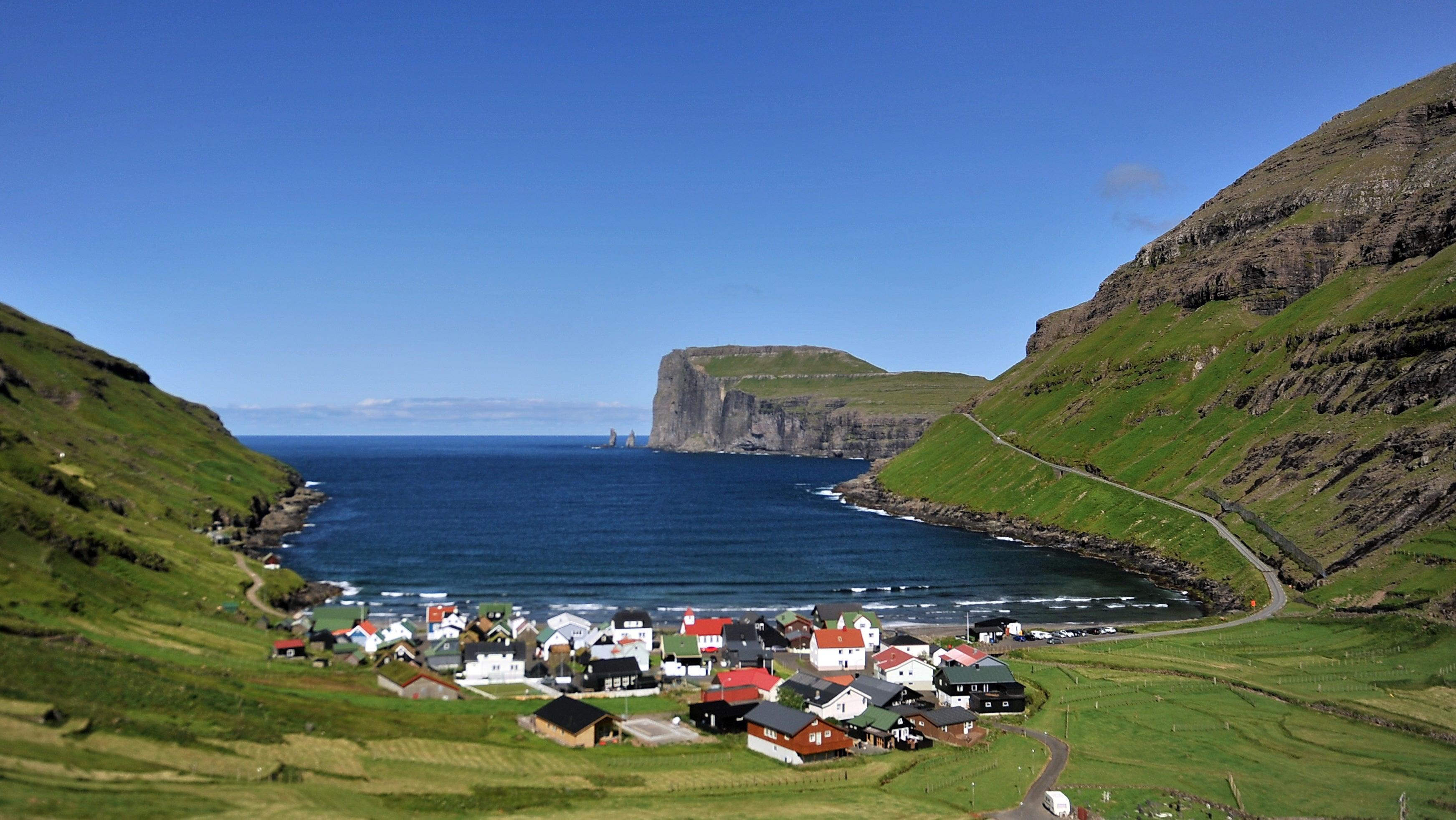 Touristen können Reiseführer auf den Färöer-Inseln virtuell steuern