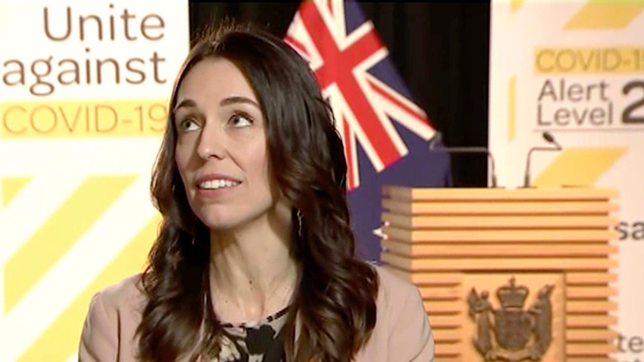 Neuseelands Premierministerin führt Interview während Erdbeben