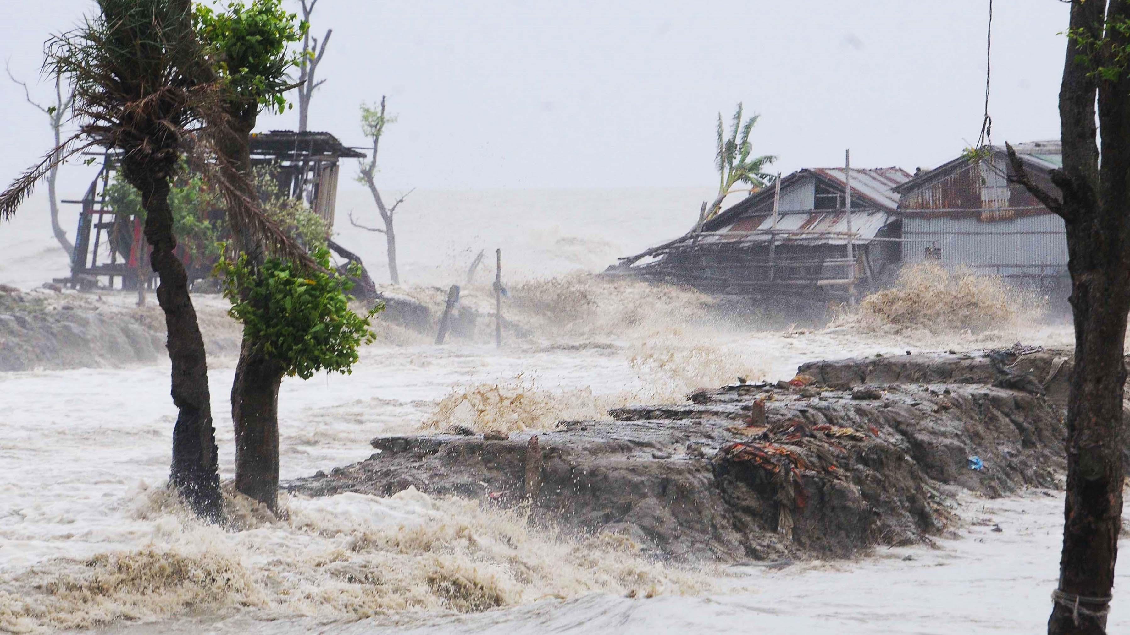 """""""Alles platt gemacht"""": 80 Tote bei Zyklon in Indien und Bangladesch"""