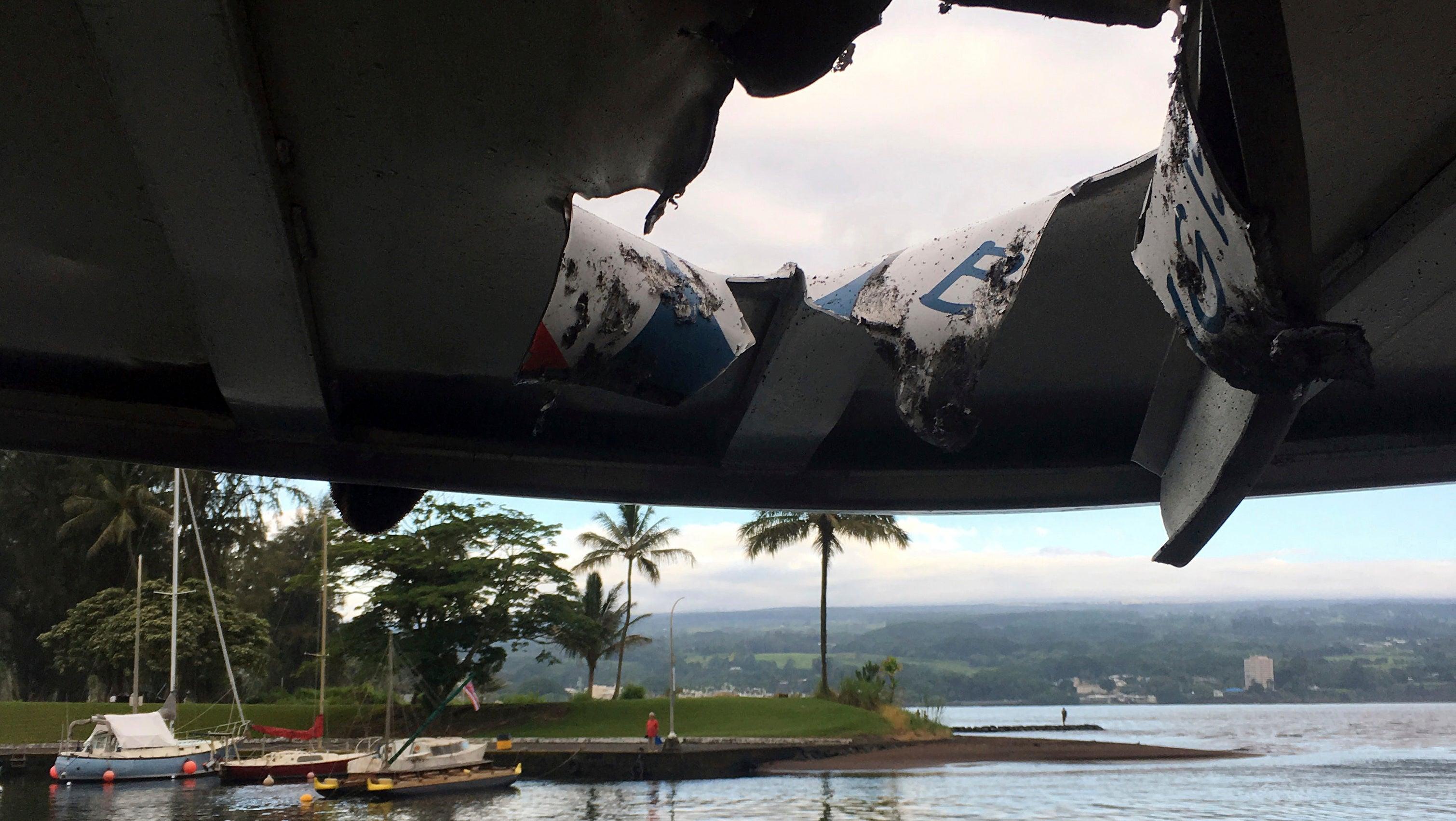 Lava explodiert und fliegt durch Dach von Tourboot - 23 Verletzte in Hawaii