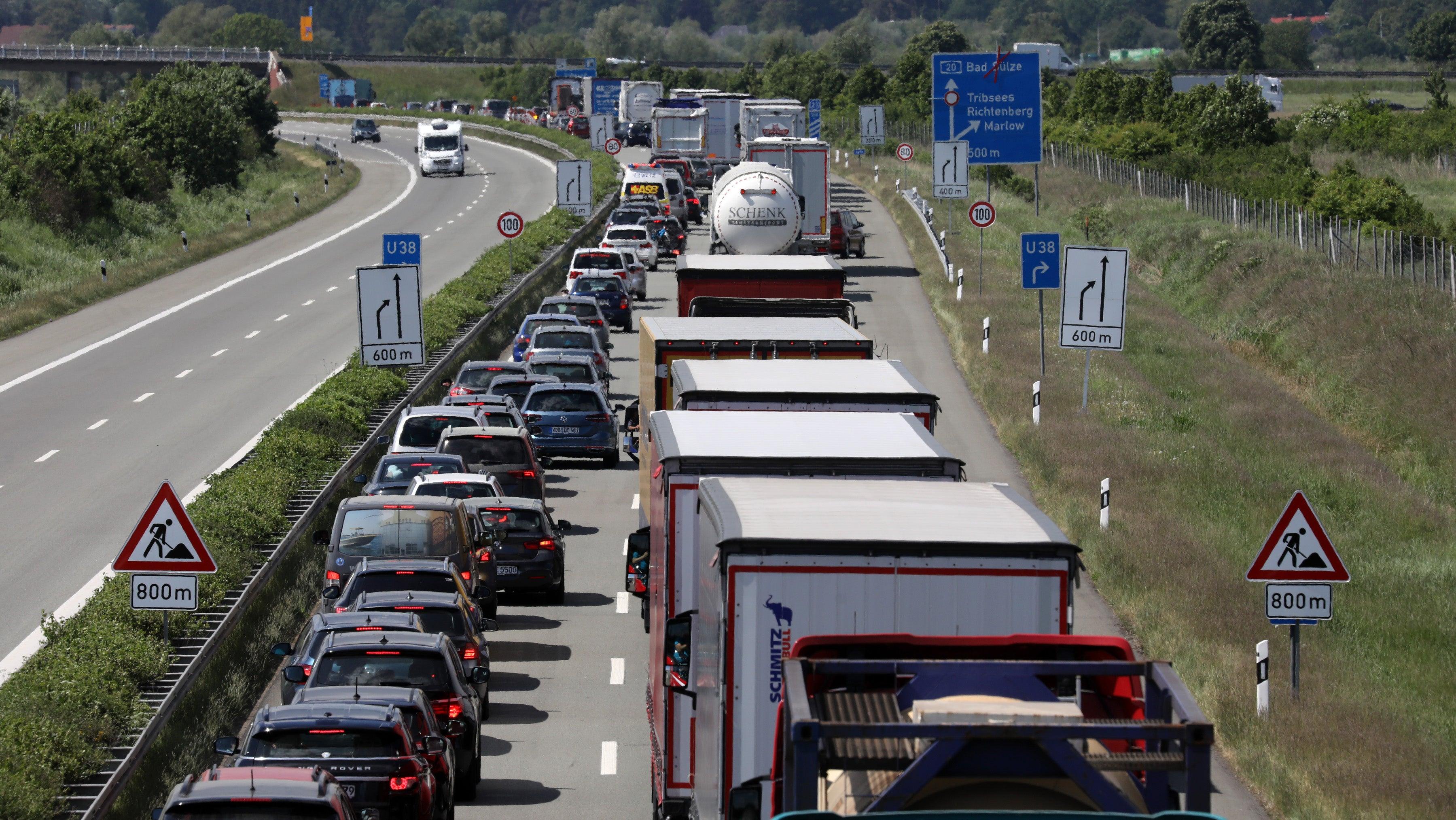 """""""Wird ein schlimmer Sommer für die Autofahrer"""": Wo in den Sommerferien Stau droht"""