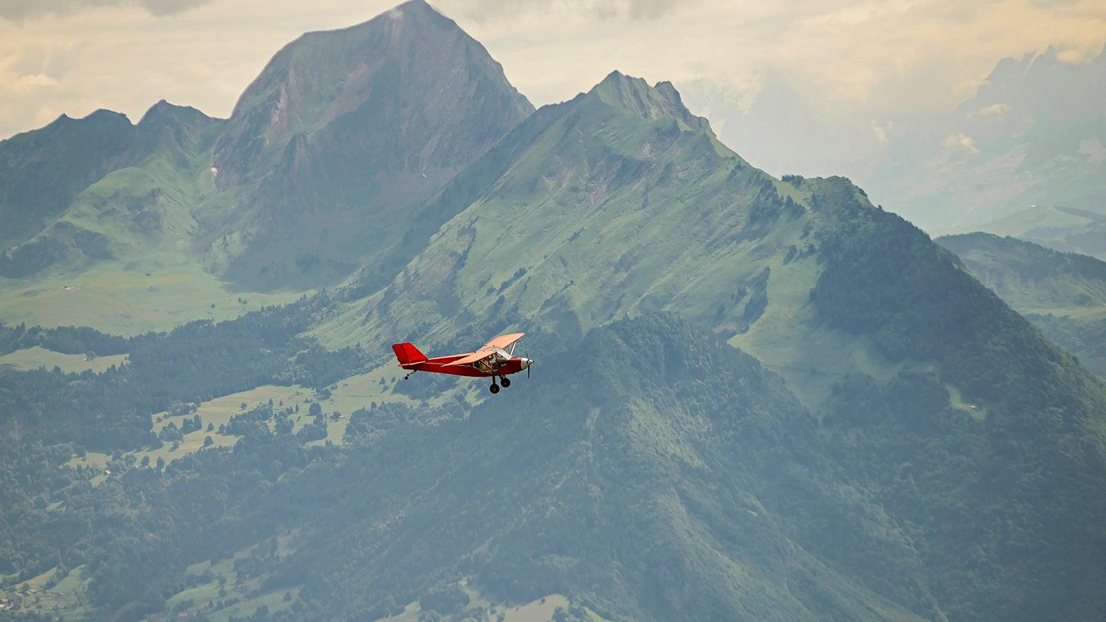 Jüngster Pilot der Welt: 18-Jähriger umrundet den Globus in 76 Tagen