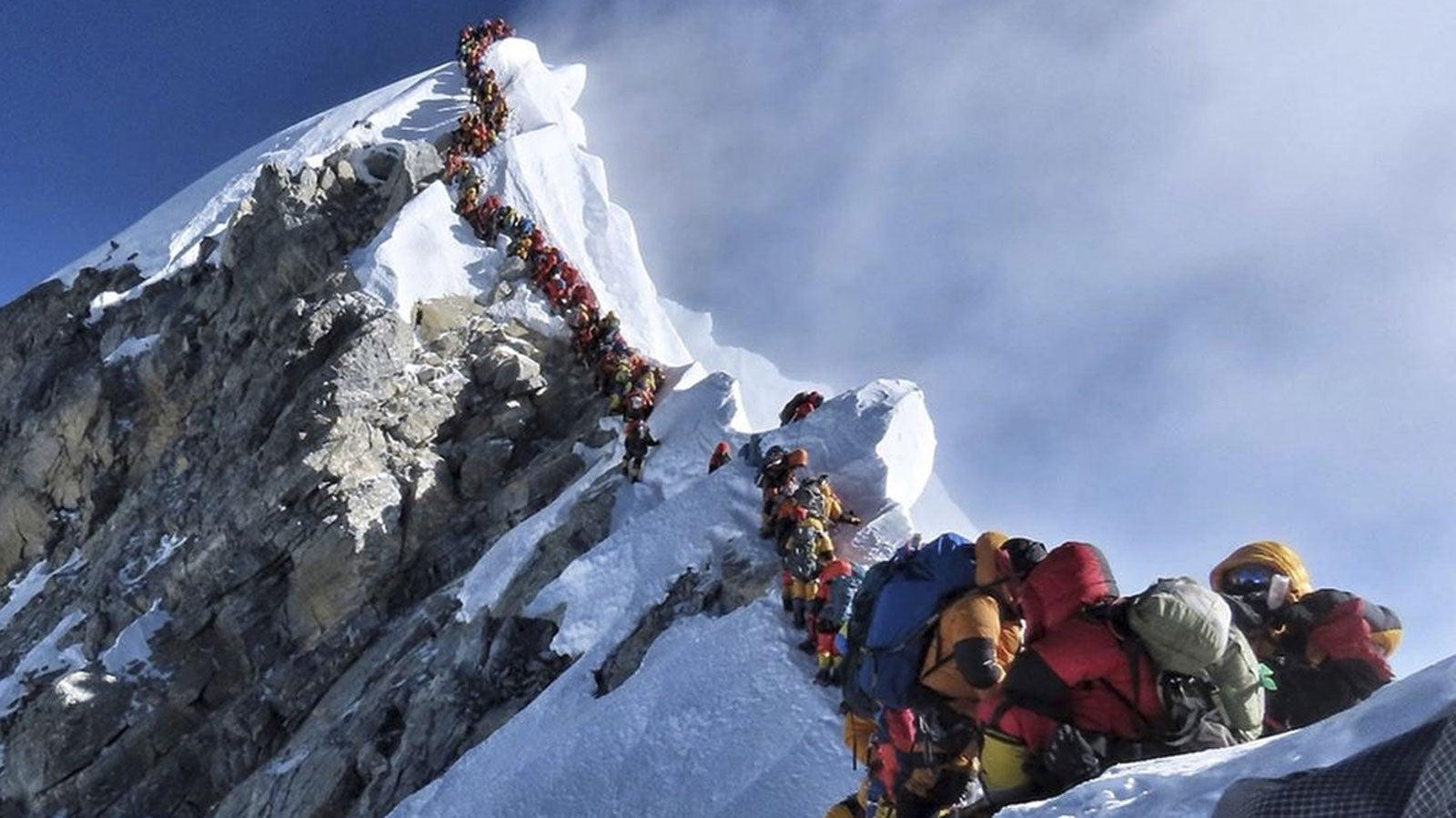 Wegen Corona-Angst: China sagt alle Touren auf den Mount Everest ab   The Weather Channel - Artikel von The Weather Channel   weather.com