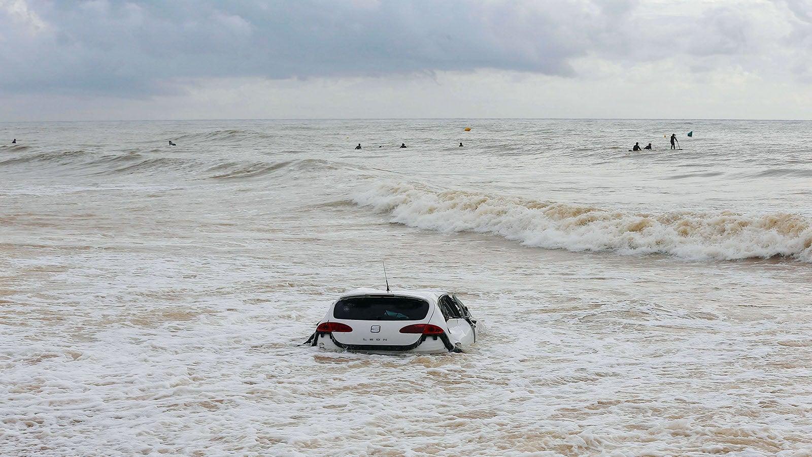 Untergangsszenarien am Mittelmeer: Unwetter-Spirale setzt sich erneut fest