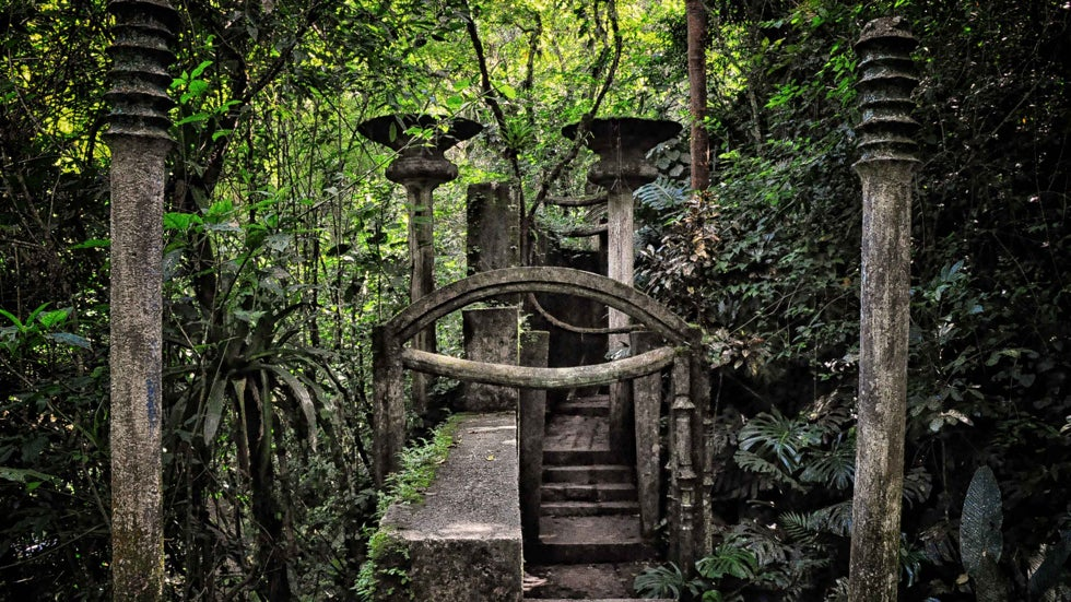 Las Pozas: Surreal Park Hidden in Mexican Jungle (PHOTOS)