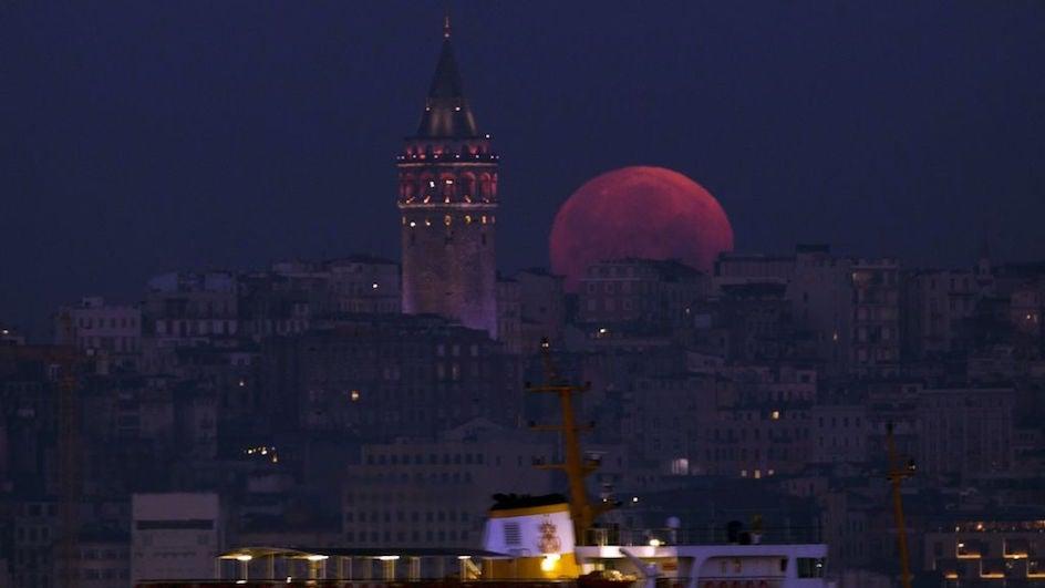 La superluna azul de sangre, en imágenes