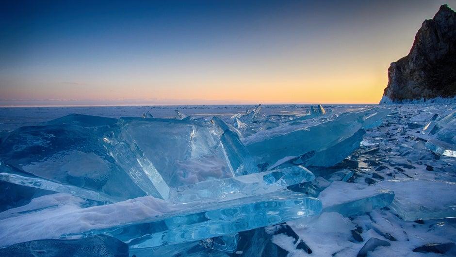 El secreto del hielo azul del lago Baikal