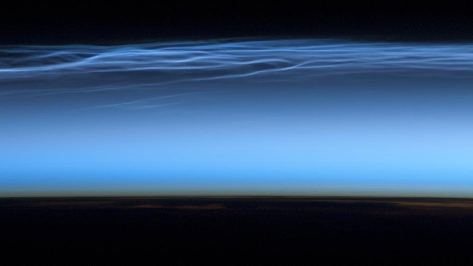 El cambio climático multiplica las nubes noctilucentes