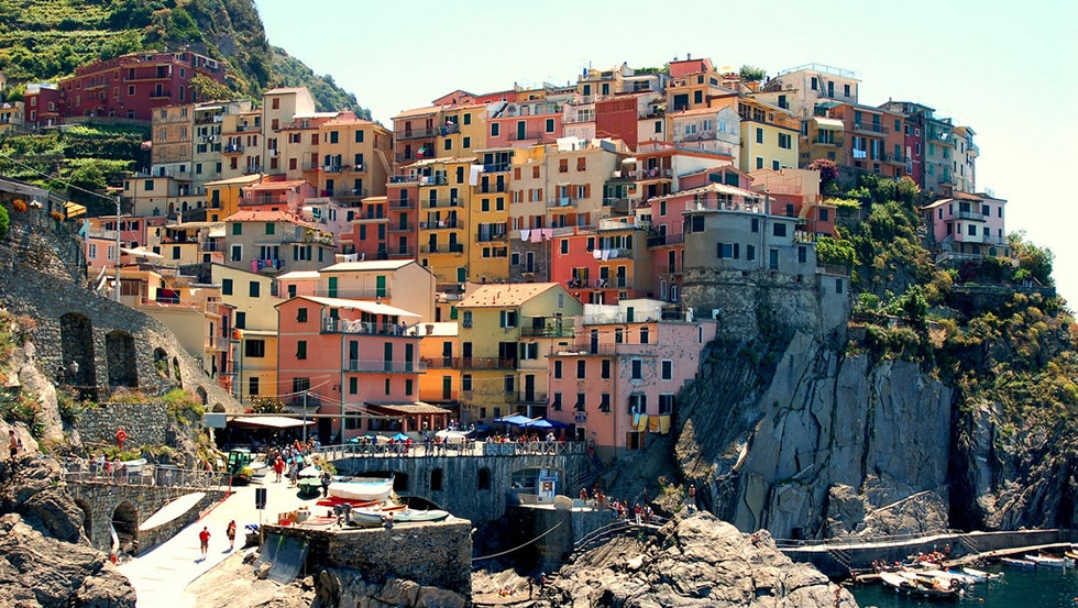 25 Places So Colorful You Won't Believe They're Real