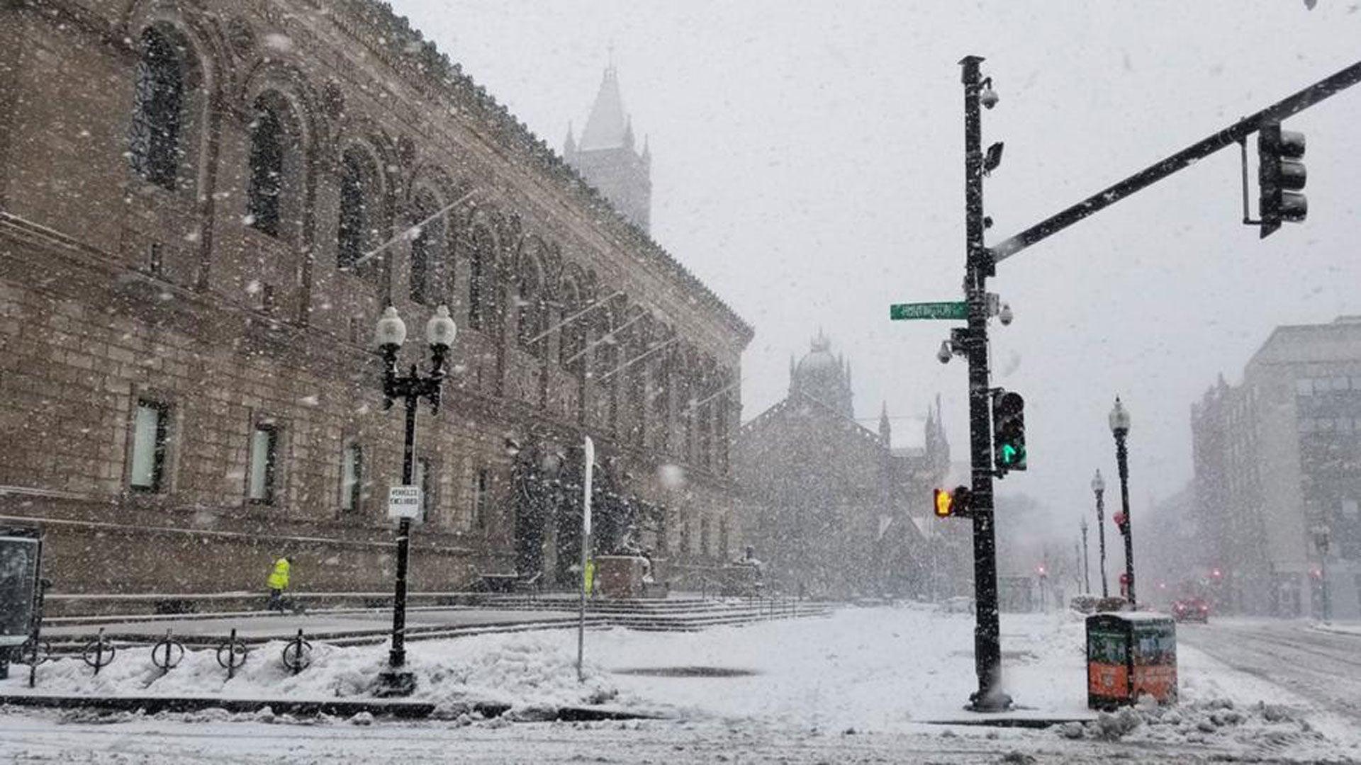 PHOTOS La tempête de neige Skylar paralyse le nord-est des Etats-Unis