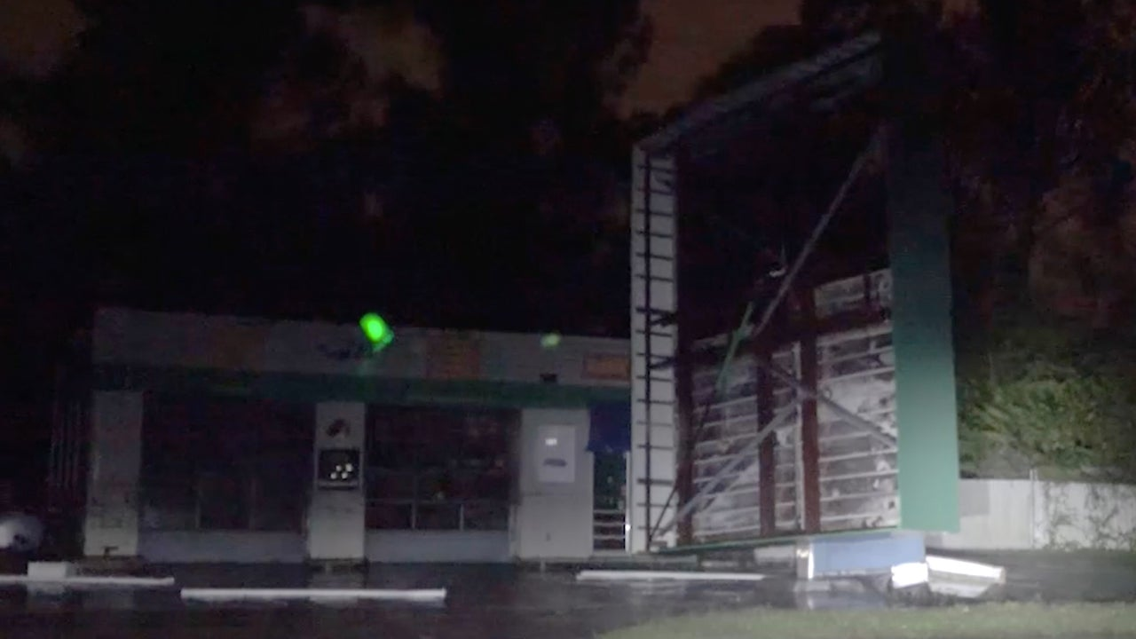 hurricane florence rips canopy off gas station in