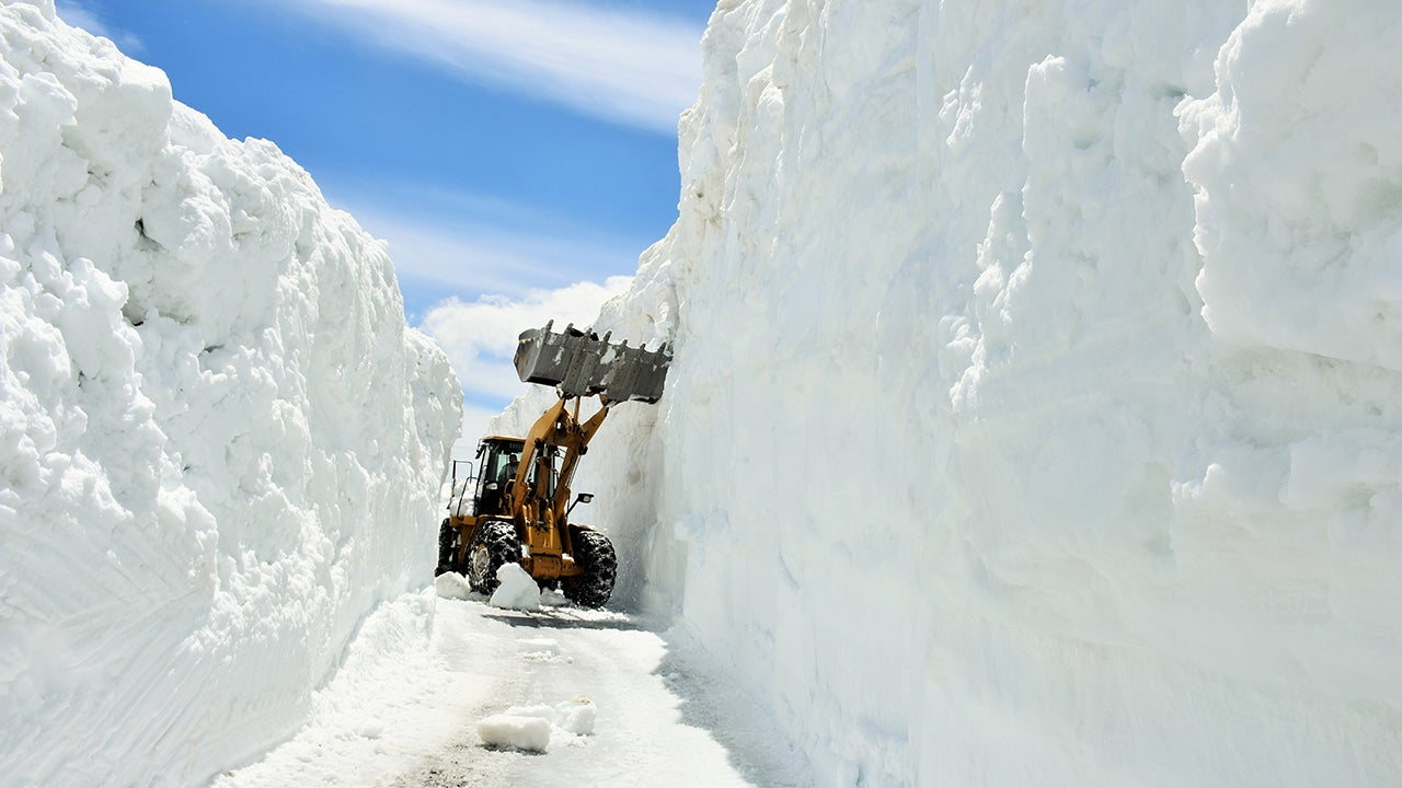 Digging Out a Road Buried in Snow for Six Months (PHOTOS)