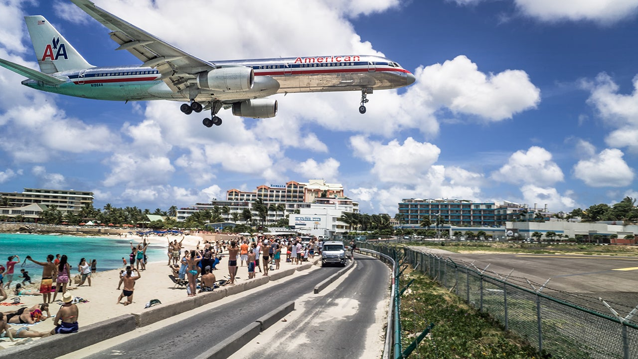 World's Scariest Airport Runways (PHOTOS)
