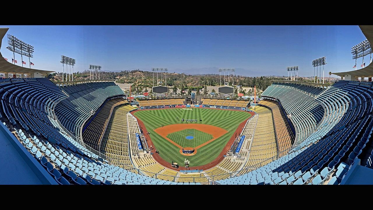 Amazing Panoramas of Baseball Stadiums (PHOTOS)
