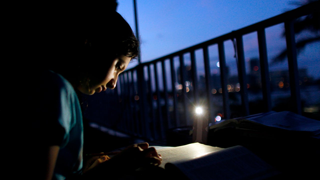 puerto rico power outage knocks out electricity to 870 000
