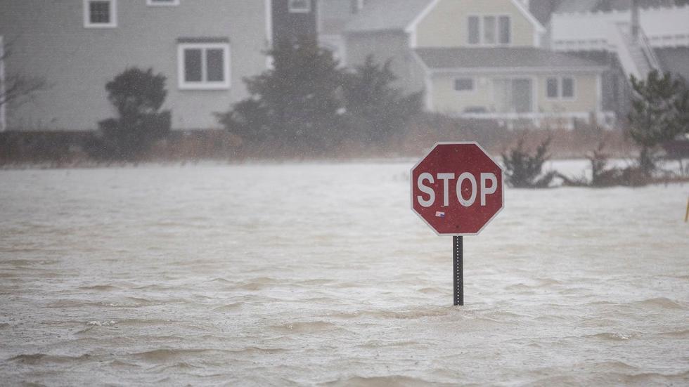 Deadly Winter Storm Riley Hammers Mid-Atlantic, Northeast (PHOTOS)