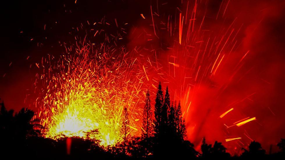 Hawaii's Kilauea Volcano Erupts, Destroys Homes (PHOTOS)