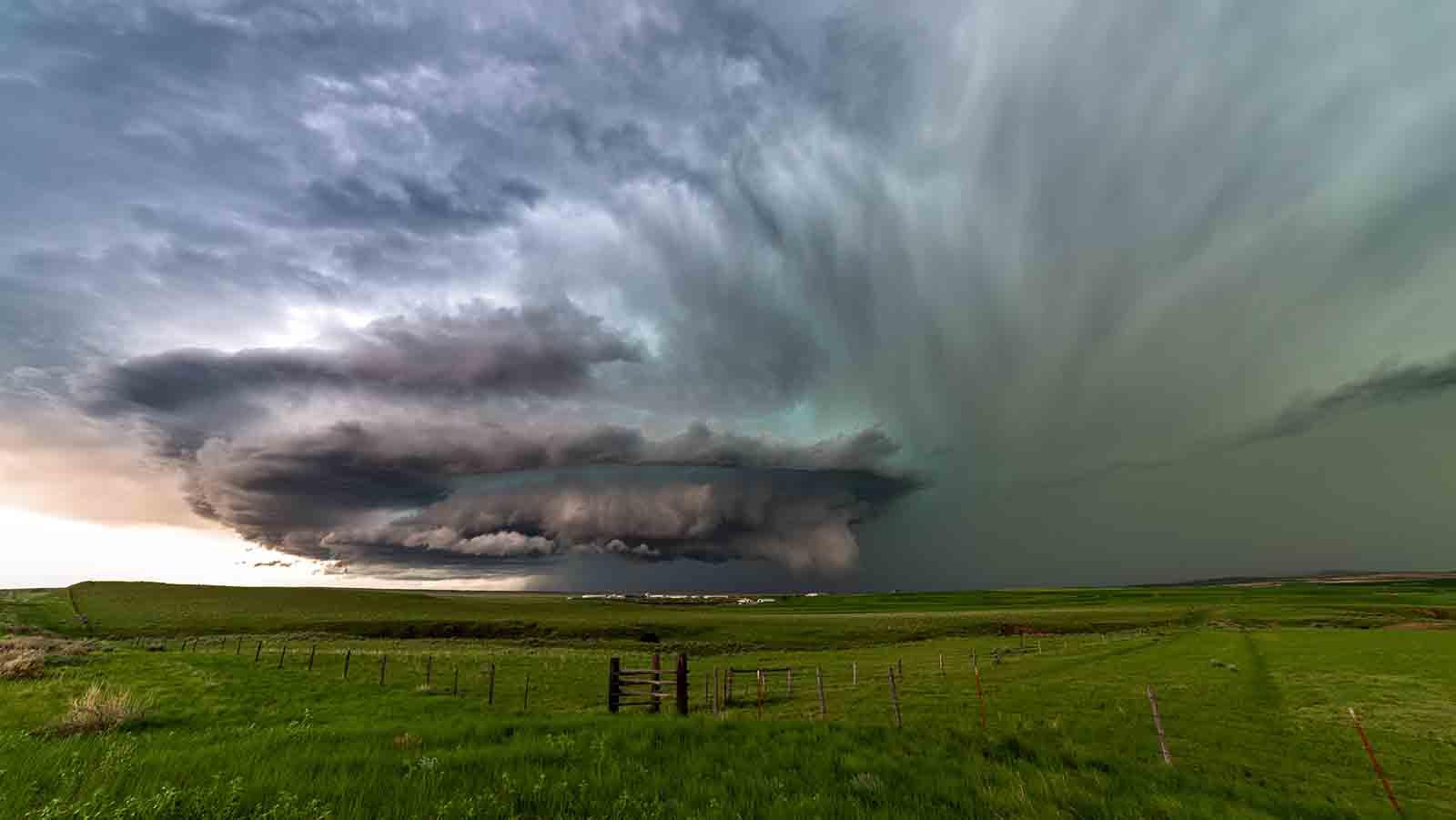 Vom Unwetter überrascht? 4 Verhaltenstipps bei Gewitter können Leben retten