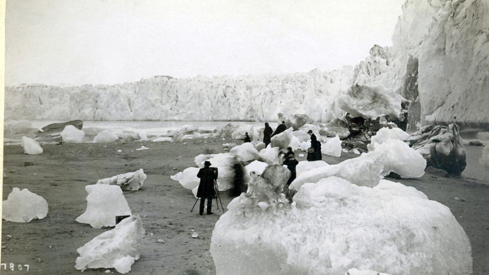Glaciers Before and After Climate Change (PHOTOS)