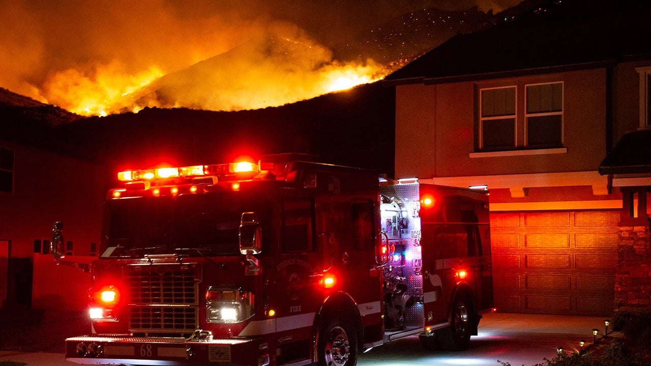 Southern California Wildfire Threatens Homes, Forces Evacuations