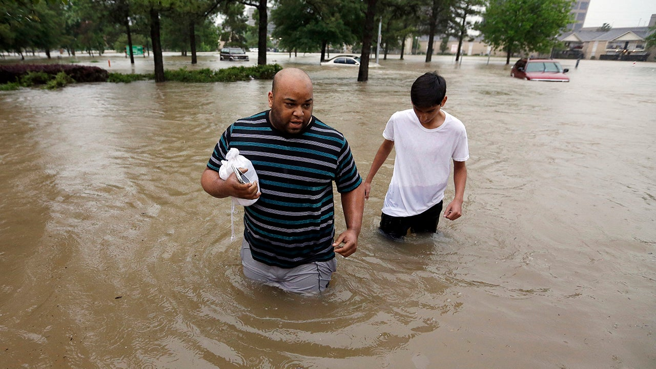 texas flooding kills at least 5  governor declares state
