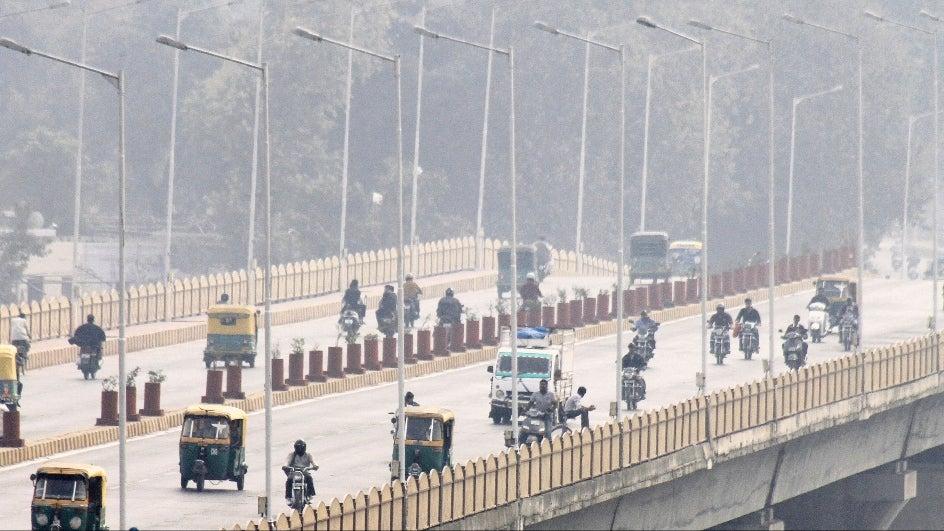 Ahmedabad Reels Under 'Very Poor' Air Quality