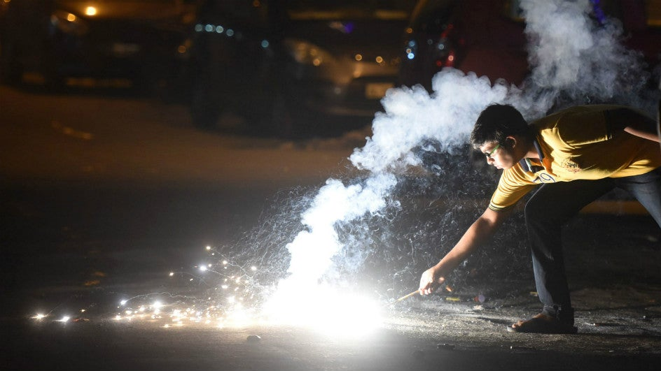 Supreme Court Bats for 'Green' Firecrackers; Makes Police Responsible for Compliance