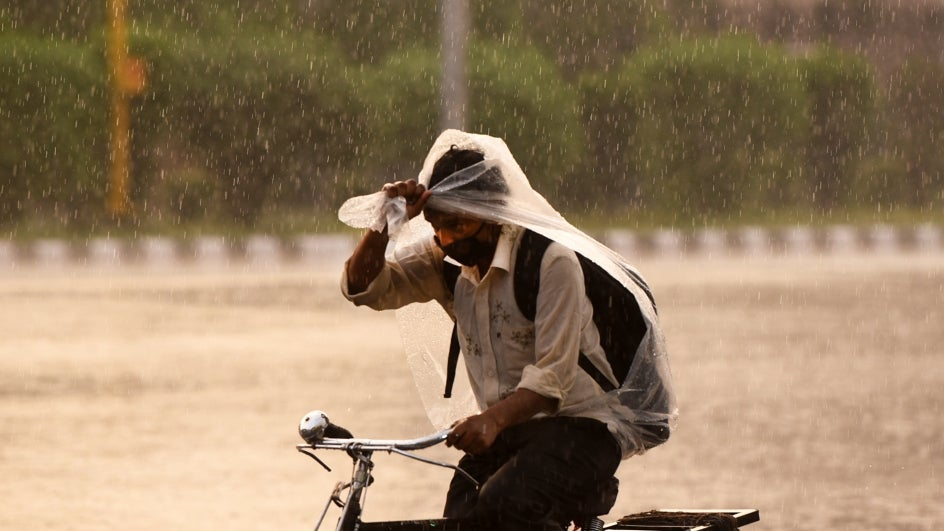 Rain, Thunderstorms to Hit Delhi, UP and Other North Indian States Starting Thursday; Provide Respite from Heat Waves