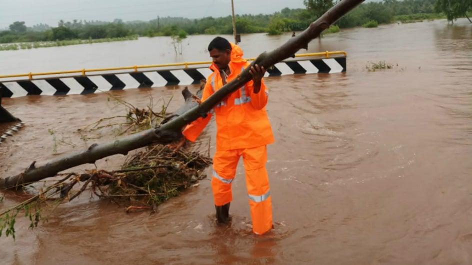Gaja Kills At Least 13 across Tamil Nadu; Heavy Rain in Kerala and Lakshadweep Today