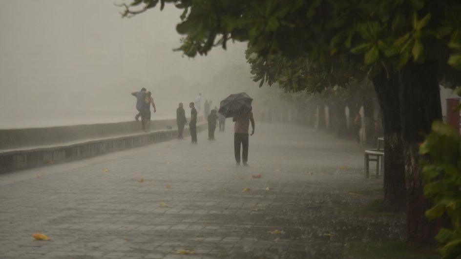 Heavy Rains Lash Mumbai; Streets Waterlogged, Traffic Hit