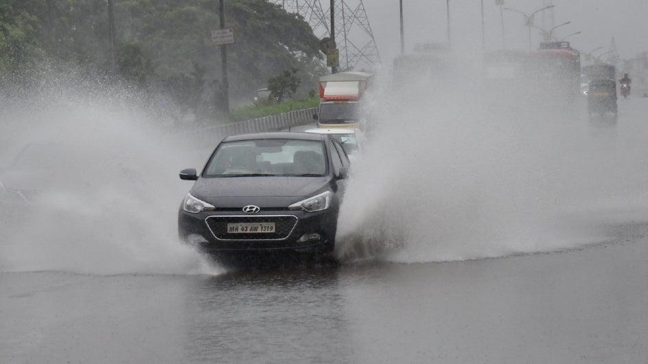 Mumbai to Continue Receiving Heavy Rains on Saturday; Konkan, Madhya Maharashtra on Red Alert
