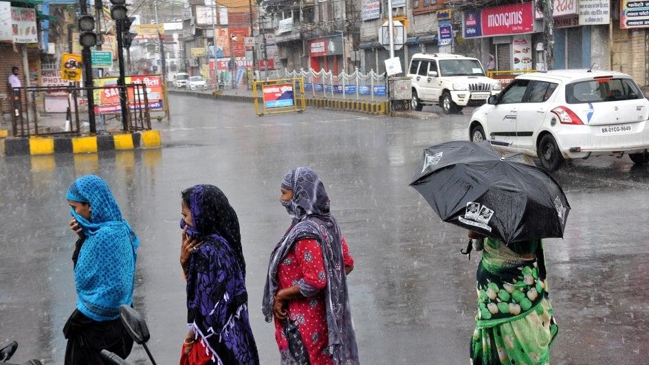 Uttar Pradesh, Chhattisgarh In For Heavy Weekend Showers; Widespread Rains to Also Drench Bihar, MP